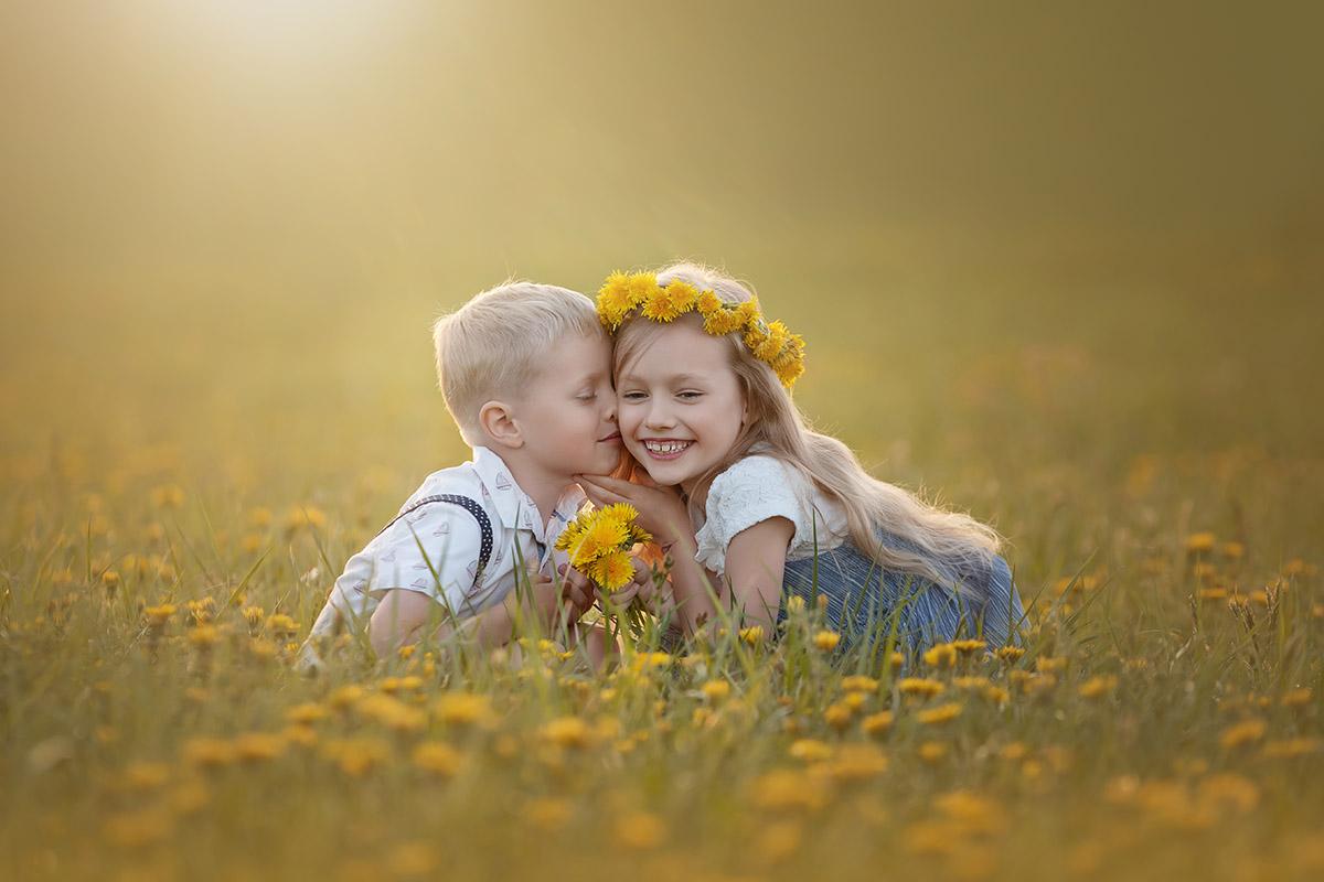 dětská fotografie, fotografie dětí, focení v přírodě, focení na louce, dětský portrét