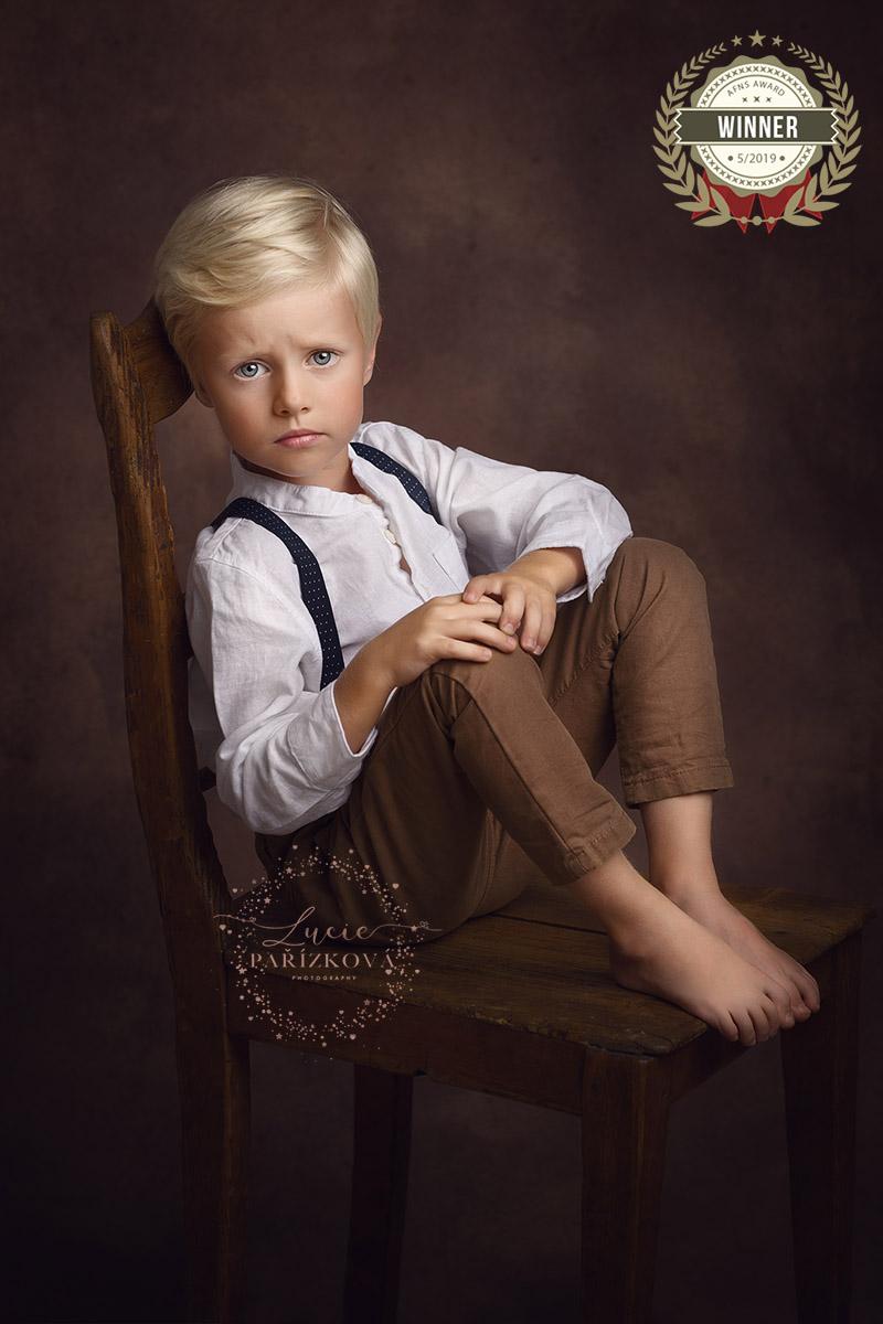fineart-portret-chlapec-kluk