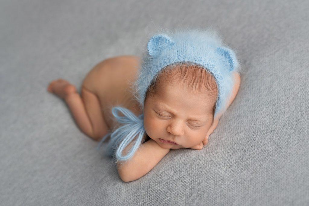 foceni novorozencu, miminek